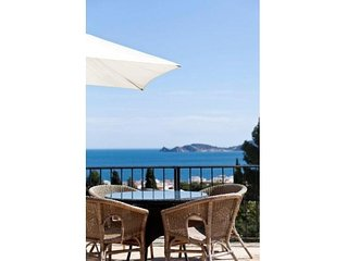 Fabulous holiday villa with sea views in Javea, Puerto