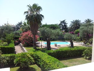 Villa Le Agavi - Accommodation with shared swimmingpool and park in Bordighera