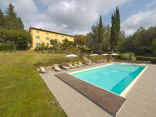 Comfortable Villa With Heated Pool in Spring and September-October,Relax