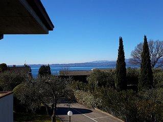 Appartamento vista lago tra gli ulivi