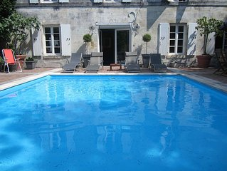 A Beautifully Decorated 3 Large Bedroom House With a Heated Swimming Pool