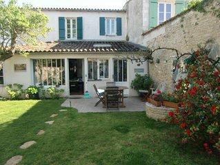 Maison de village style rétais prés Océan avec Jardin