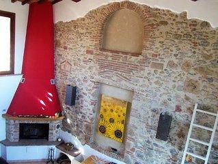 Fienile nel cuore campagna Toscana tra Firenze e Siena vicino a San Gimignano