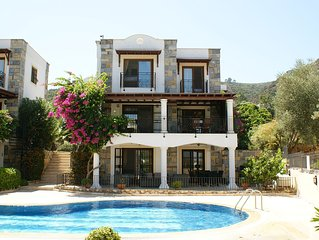 Detached Villa with Shared Pool