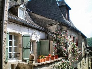 Charming House In Medieval Turenne, Correze, Limousin