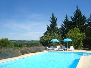 Les Lavandes - family-friendly gite with pool in