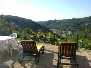 Pretty holiday cottage with fantastic views sleeps 6, Arganil 7kms