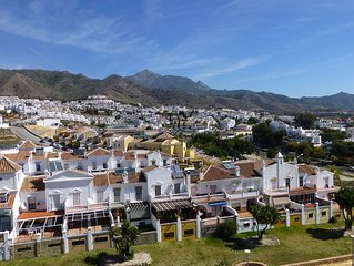 2 bedroom apartment in Nerja. Pool, WiFi, fully furnished.