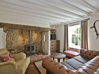Japonica Cottage, a characterful 3 bed Norfolk flint holiday home in East Rudham