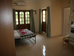 Goa, Calangute, Kieran Park, large 2nd Floor Studio Appt sleeps 2-4