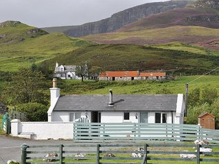 A Cosy Detached Cottage Near The Quiraing And Bea