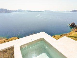 See Santorini Oia grandJacuzzi view
