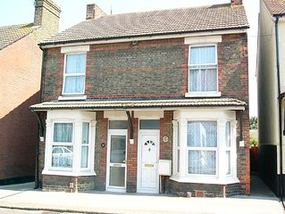 Semi-detached Victorian House With Nice Garden, Close To Town
