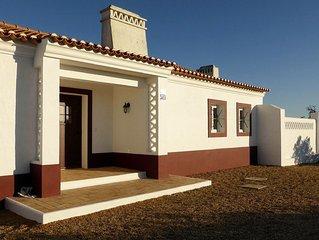 Maison typique d'Alentejo avec piscine (Costa Alentejana, 15min de Porto Covo)