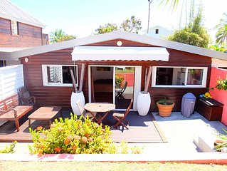 Belle mini villa 32 m2  WIFI meublee teck 150m du lagon