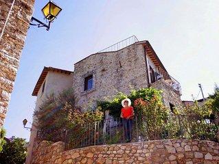 Palazzetto in pietra con giardino e terrazza centro storico vista splendida