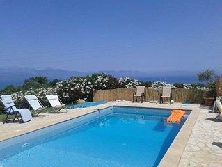 Deux Villas avec piscine proche Koroni et vue mer panoramique exceptionnelle