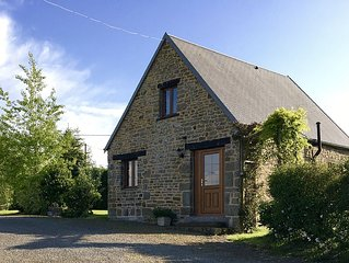 Spacious Cottage for two with shared heated pool, free WIFI & ferry discounts