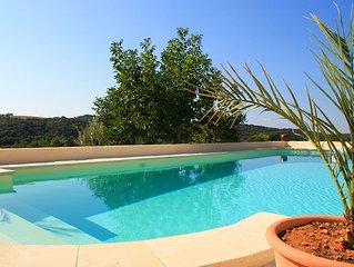 Superbe Suite en Rez de Villa avec Piscine Chauffée  à Valensole en Provence