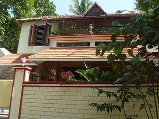 Self Contained 2 Bedroom Apartment Within Easy Walking Distance Of Beach