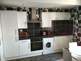 16RC - Dunfermline Self-Catering Apartment