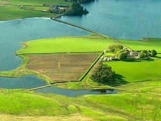 Gairnshiel Cottage - Stunning Cottage With Loch And Hill Views