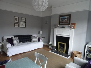 Lovely Bright Spacious Cottage Style Apartment overlooking Eddleston Water