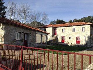 'Casas do Eido' - Casa do Eido e da Viúva, antigas casas de caseiro recuperadas