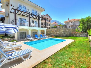 Luxury Detached Villa 4 Bed All Ensuite. Offering Beautiful Sunset Countryside V