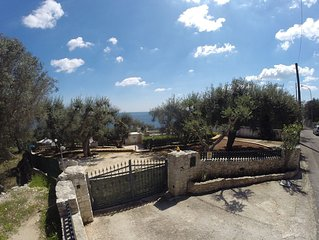 Villa tra gli ulivi sul mare tra Otranto e S.M. di Leuca