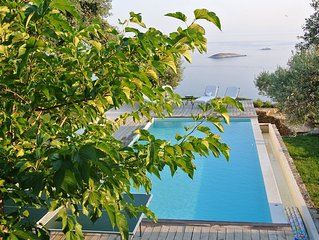 VILLA ELAIONAS-LUXURIOUS TWO BEDROOM HOUSE WITH PRIVATE POOL