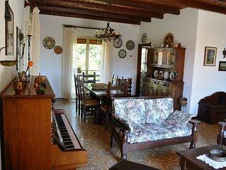 Casa Vacanze EtnaFamilyHouse - Villa con giardino ai piedi dell'Etna