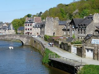 First Floor Apartment On The Port Of Dinan With River Views
