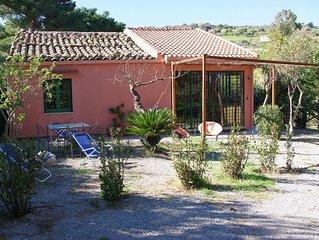 Tra Cefalu e Collesano deliziosa Casa Contadina in campagna con vista mare.