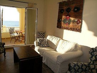 Super Apartment on the Beach with Superb Sea Views