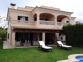 Villa La Perla. Private garden, pool and WIFI. Next to Golf course.