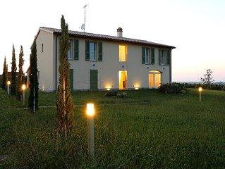 Residenza Ca' Lunga :villa con piscina tra le vigne