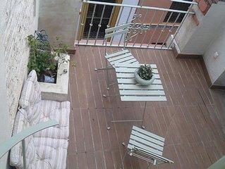 Duplex and terrace overlooking Giralda, cozy and