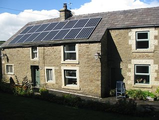 Cosy cottage with stunning views, a rural retreat in the Peak District