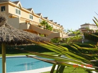 Luxury townhouse on Islantilla Golf, pool & 10 minutes from the beach