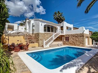 Spacious  villa only 2km to the sandy beach in Javea,Air Con, Wifi, heated pool