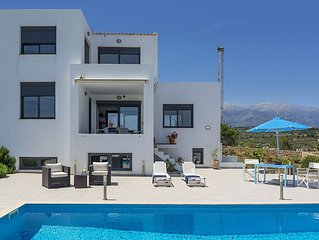 Villa with Pool For up to 8 persons. Excellent Sea and Mountain Views