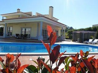 Fabulous Villa / 4 bedrooms / 5 bathrooms / sleeps 10 in Praia D'el Rey Portugal