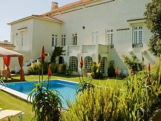 Roses Village-Mansion near the beach with pool ,BB, WI-FI -15mnt to Porto Center