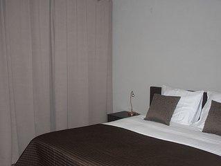 Gerenoveerd hip triplex appartement in centrum Ieper voor 2 tot 6 personen