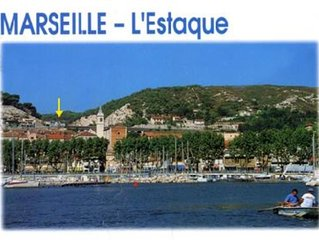 Grande terrasse plein sud avec superbe vue sur baie de Marseille