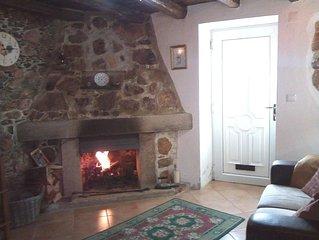 Casa Rustica, farm cottage 2 bedroom sleeps 4 in quiet location 2km from Arganil