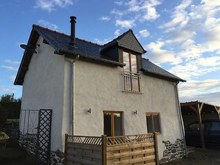 Fantastic 1 Bedroom Gite Cottage Close to Fishing Lakes.. Everything brand new!
