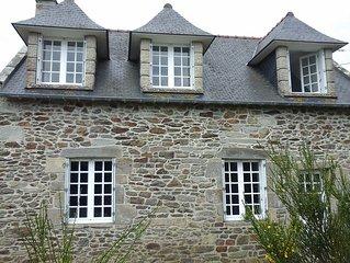 maison bretonne située  près du sentier côtier ( GR 34 )vue mer,plages proches