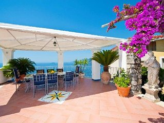Villa Arzilla 1 with charming view, w/o steps, parking and private beach